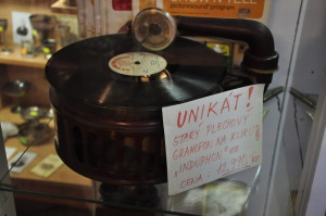 Plechový gramofon Induphon 12.990,-